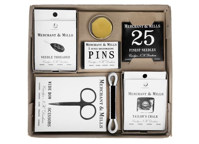 Merchant and mills sewing set