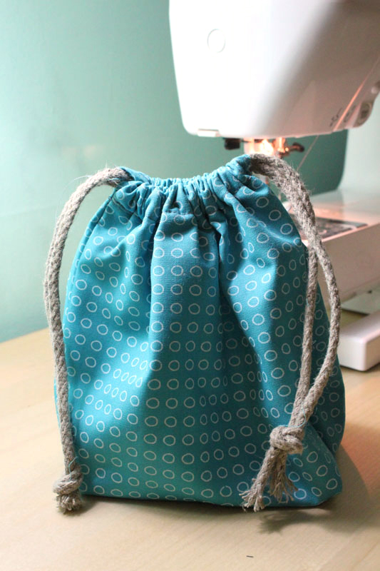 DIY-Drawstring-Waterproof-Bag