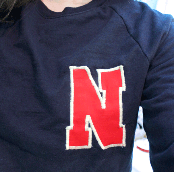 Cricut-Mini-DIY-Varsity-Sweatshirt6