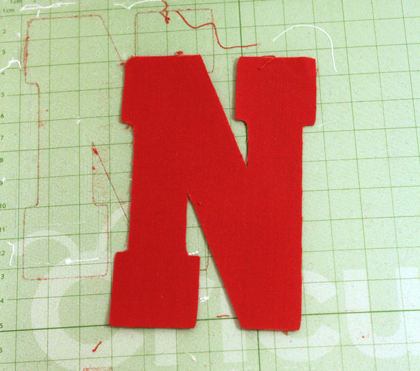 Cricut-Mini-DIY-Varsity-Sweatshirt3