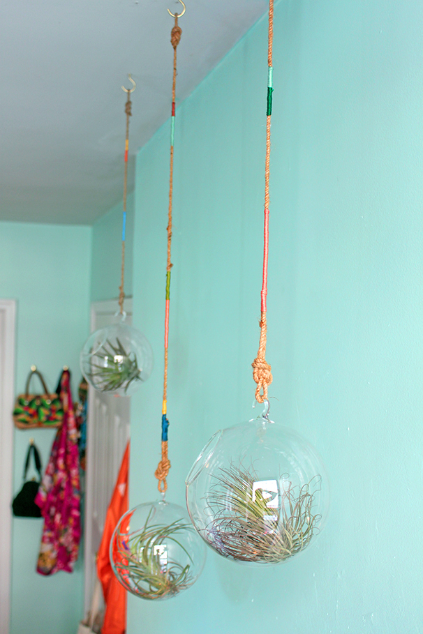 DIY-thread-wrapped-plant-hangers-air-plants-glass-bulb