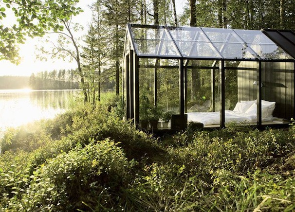 Glass-Tent-Room-Outdoor-Bedroom