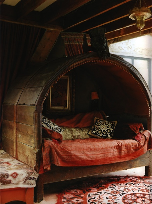 Open-Air-Hut-Bedroom