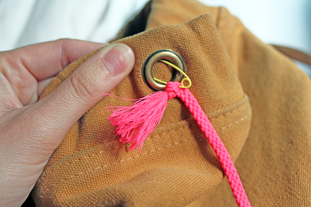 Replace-Drawstring-Tutorial-Baggu-Backpack-Neon-Cord