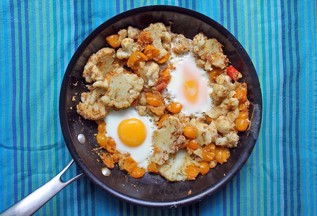 Smothered-Cauliflower-Eggs-Recipe
